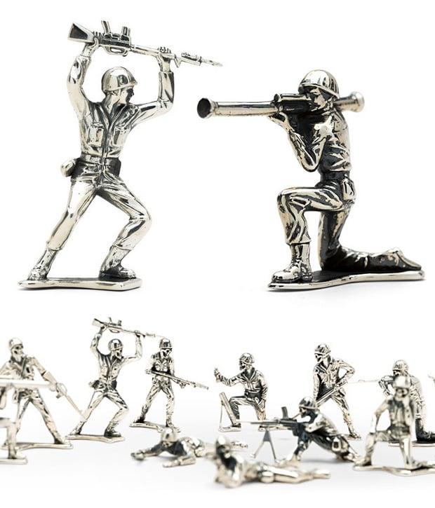 Silver Army Men at werd.com