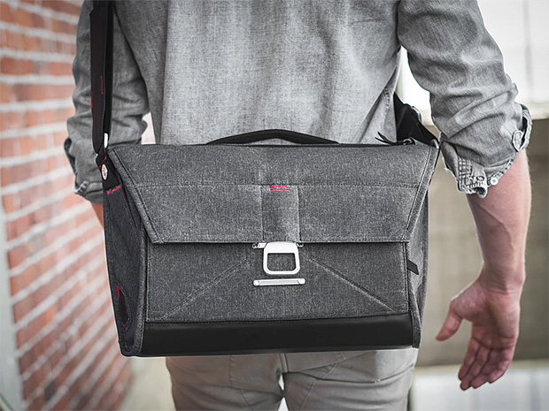 Peak Design Everyday Messenger at werd.com