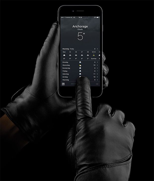 Mujjo Leather Touchscreen Gloves at werd.com