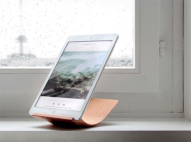 Yohann iPad Stand at werd.com