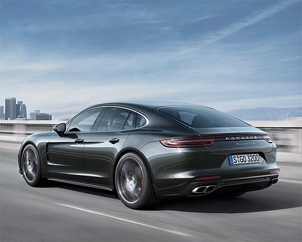 2017 Porsche Panamera at werd.com