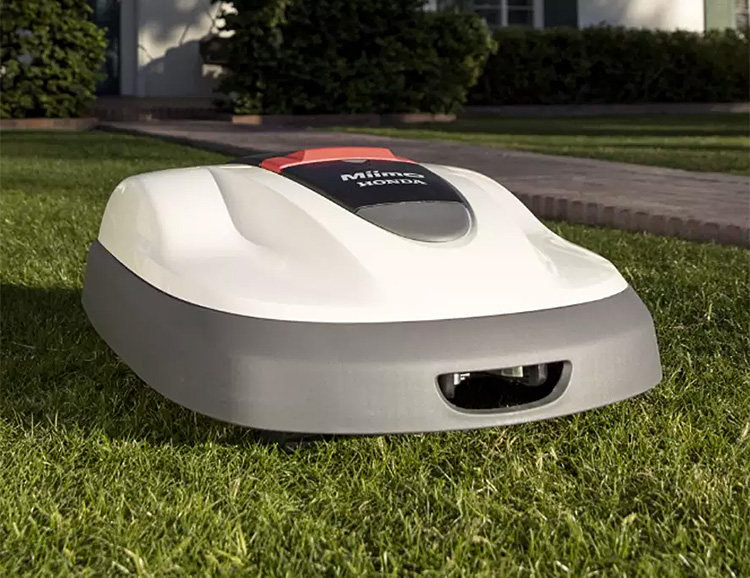 Honda Brings it's First Robotic Lawnmower to U.S. Yards at werd.com