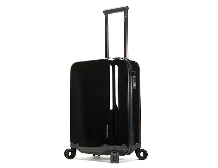 Incase's Latest NoviConnected Travel Roller is Packing Power at werd.com