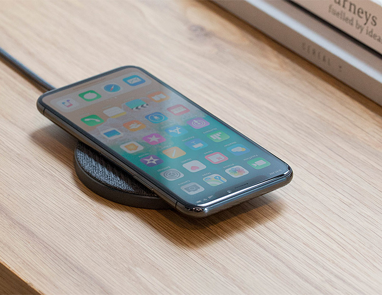 The Drop Wireless Charger Keeps Devices Cool During Quick Charge at werd.com