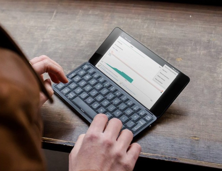 The Gemini PDA is Your Cure for Sore Thumbs at werd.com