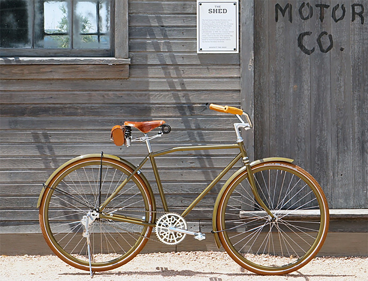 Harley-Davidson Brings Back a Bicycle from 1917 at werd.com