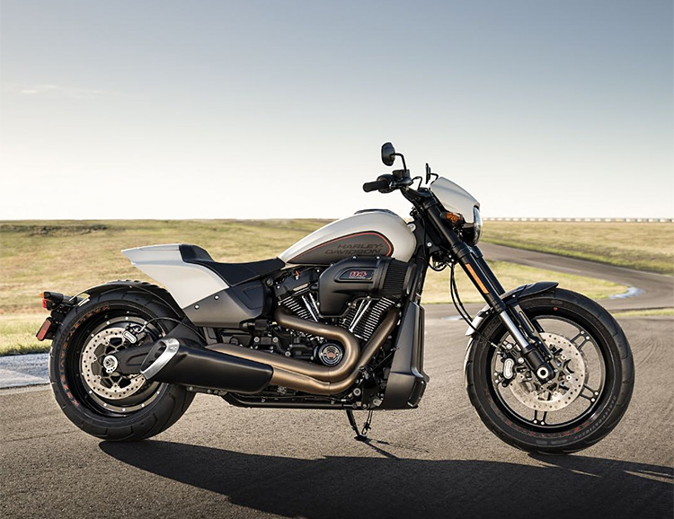 Harley-Davidson Fires Up Drag-Inspired 2019 FXDR 114 at werd.com