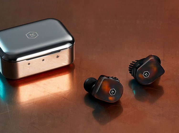 Master & Dynamic's MW07: Deluxe Wireless Buds at werd.com