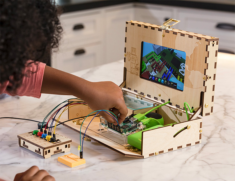 The Piper Computer Kit Lets The Kids Build Their Own PC at werd.com