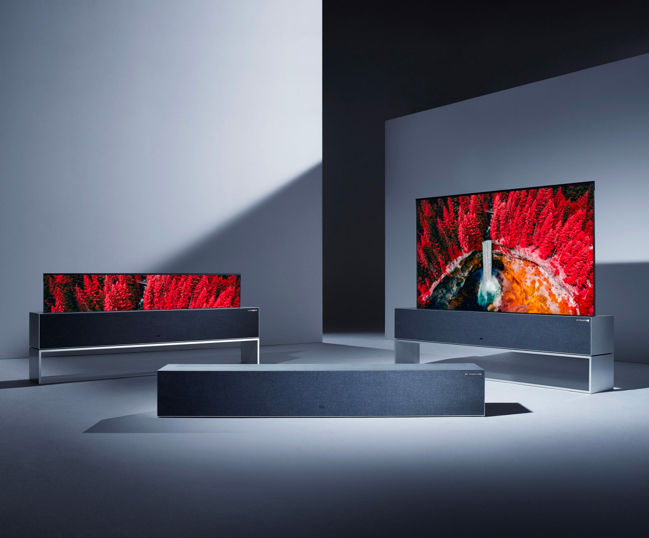 LG Introduces First-Ever Rollable OLED TV at werd.com