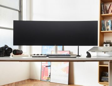 LG Has Created a Curved, 49-Inch UltraWide Monitor