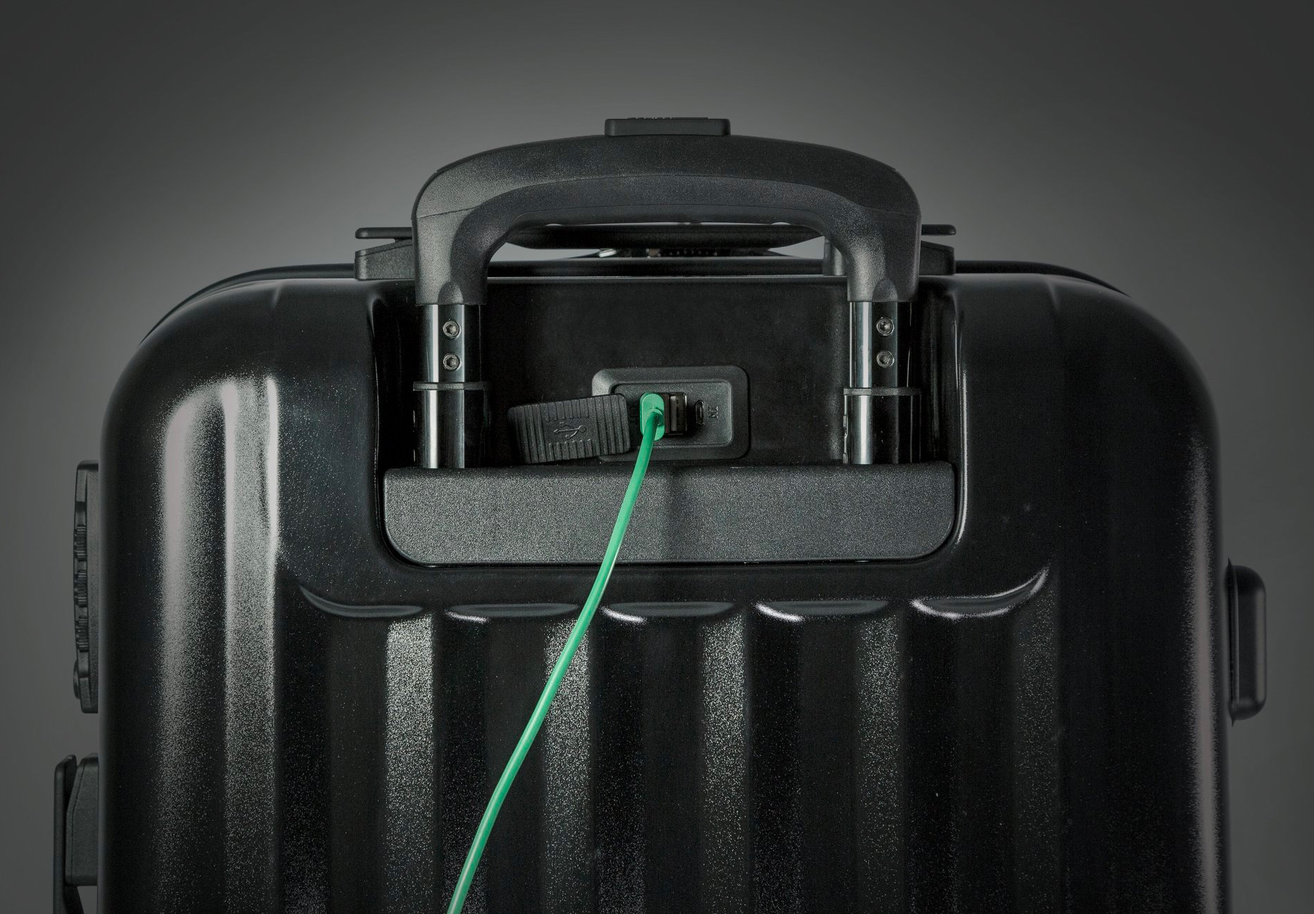 Your Carry-On Luggage is Probably Not As Smart As This at werd.com