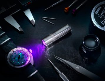 RedBar & Maus Team Up to Create an Advanced UV LED Torch