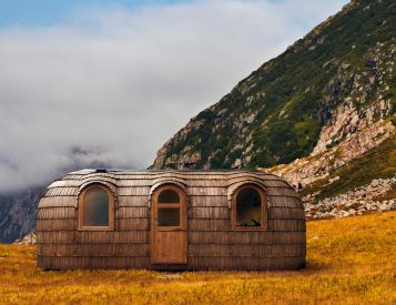 Iglucraft's Pre-Fab Hobbit Houses Blend Into Nature
