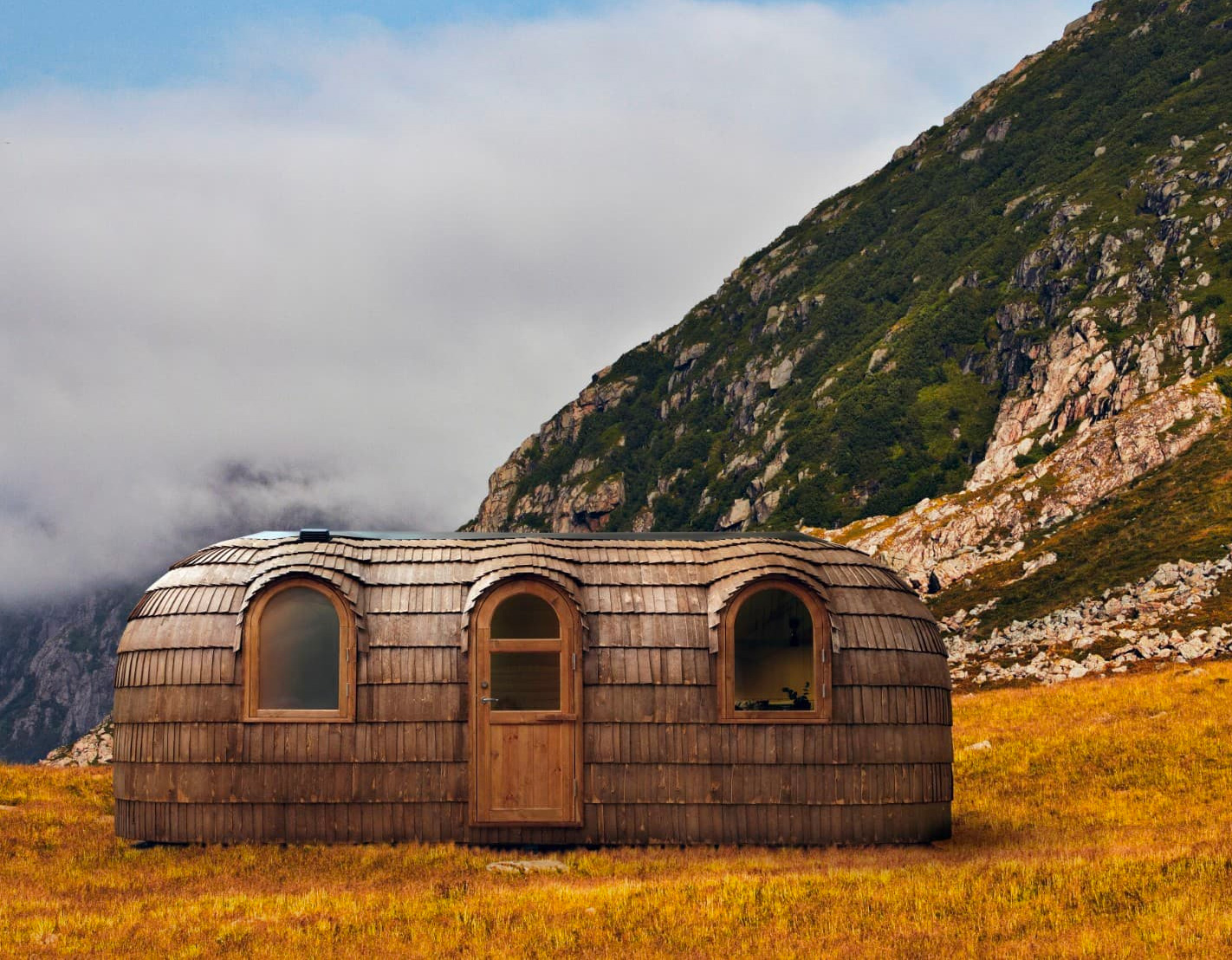 Iglucraft's Pre-Fab Hobbit Houses Blend Into Nature at werd.com