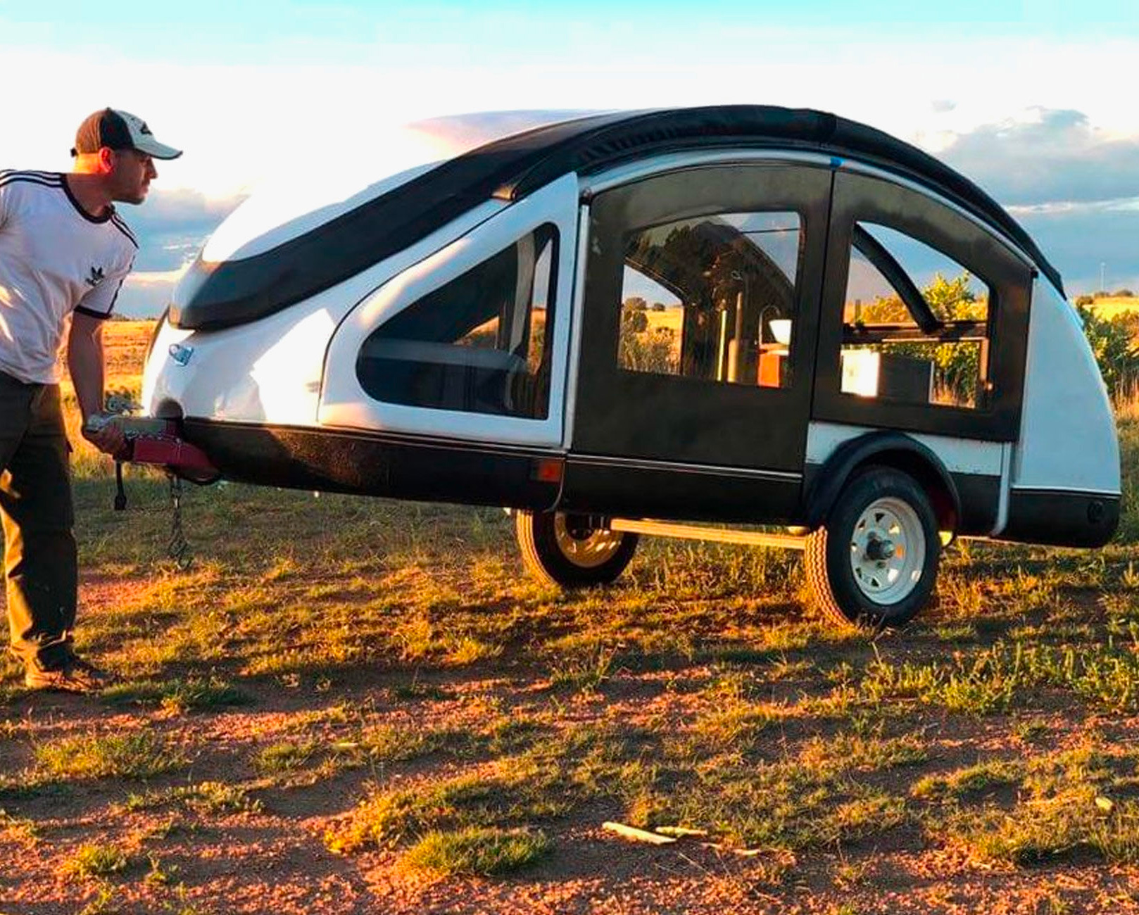 This Carbon Fiber Earth Traveler Teardrop Weighs Just 300 Pounds at werd.com