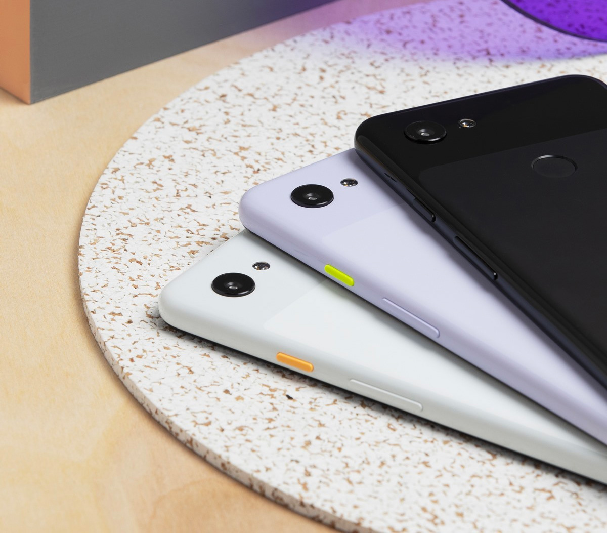 Google Introduces Pixel 3a & 3a XL Phones at werd.com
