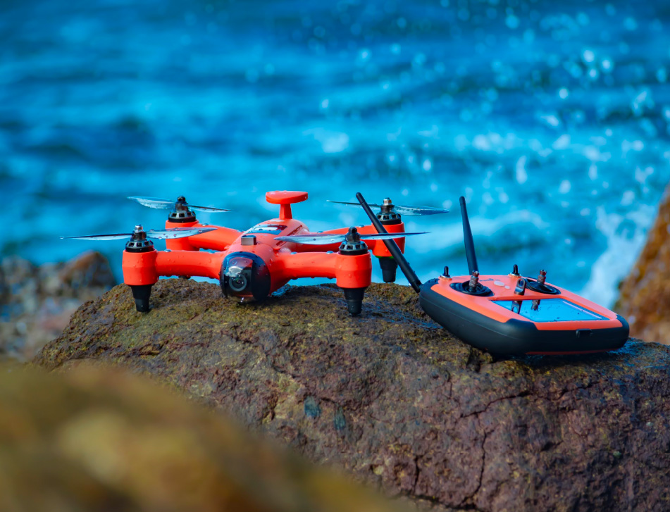 Spry Underwater Drone Goes Literally Everywhere at werd.com