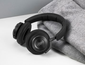 Bang & Olufsen Adds Voice Assistance To BeoPlay H9 Headphones