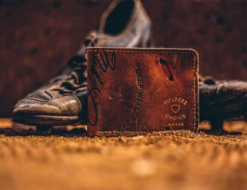 This Upcycled Leather Wallet Fits Like a Glove