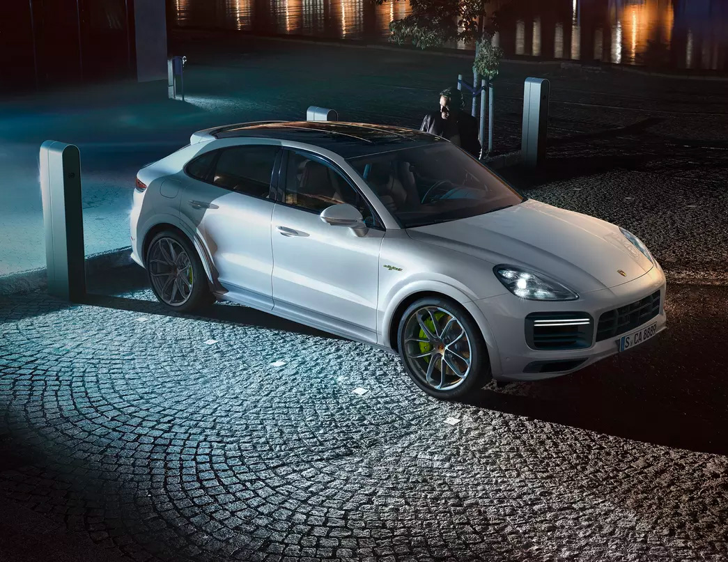 Porsche Unveils Powerful 2020 Cayenne Turbo S E-Hybrid at werd.com