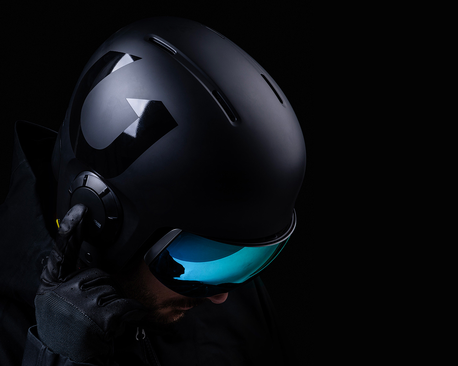 Safe & Sound: The Unit 1 Helmet at werd.com