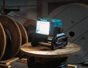 Makita's New DML811 Light is a 3000-Lumen Workhorse