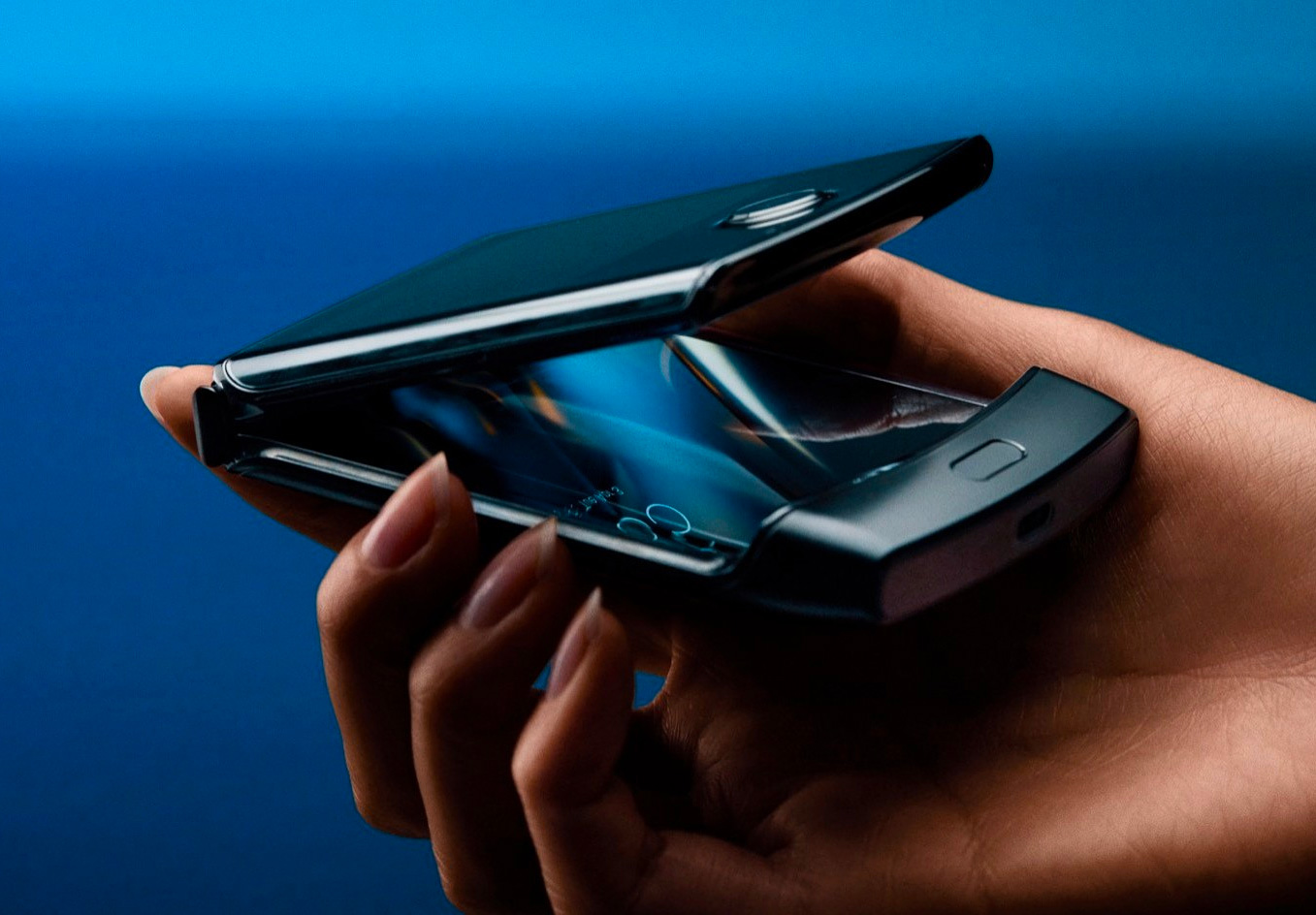 Motorola is Reviving the RAZR Flip-Phone at werd.com