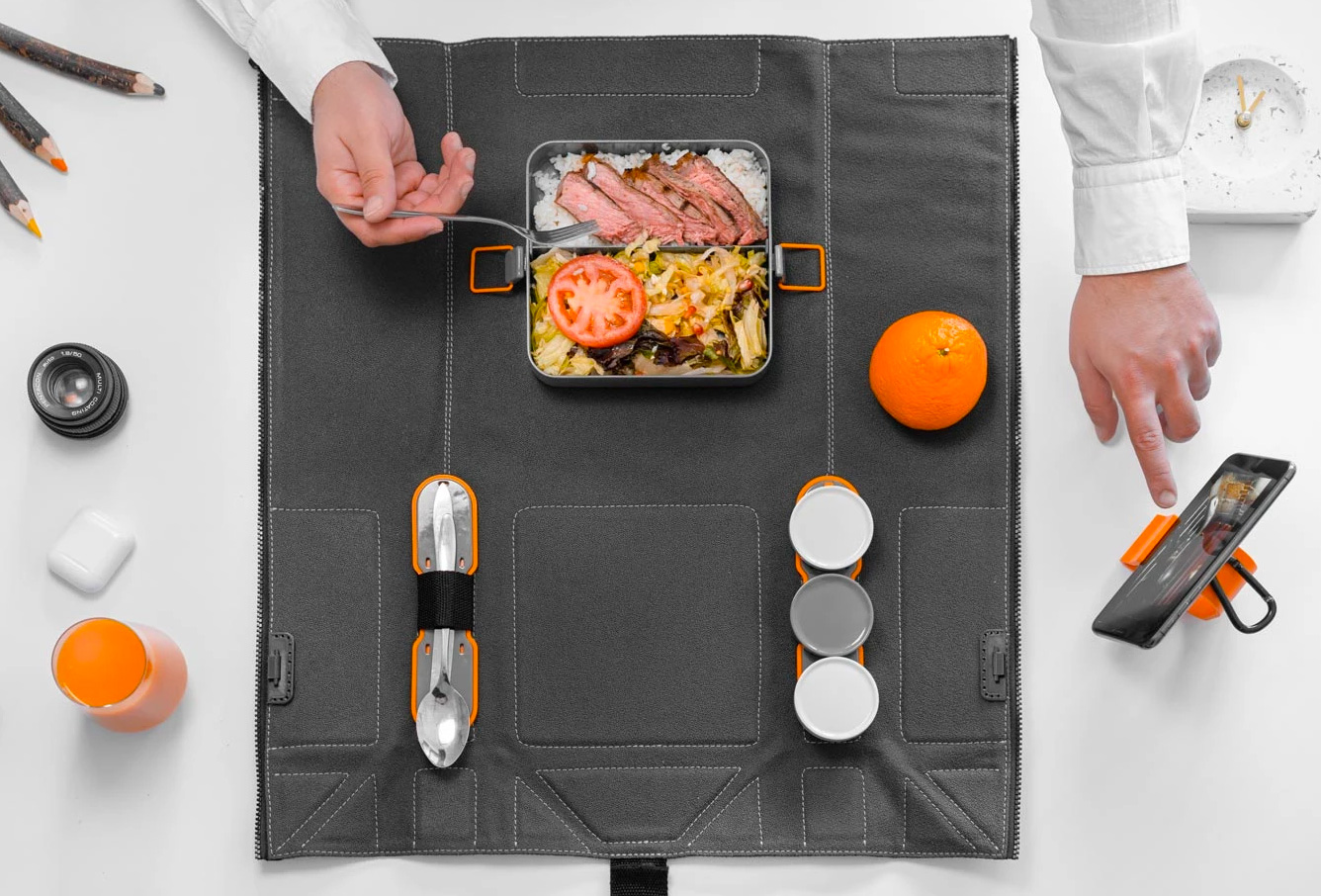 Foldeat Makes Mobile Mealtime A Picnic at werd.com
