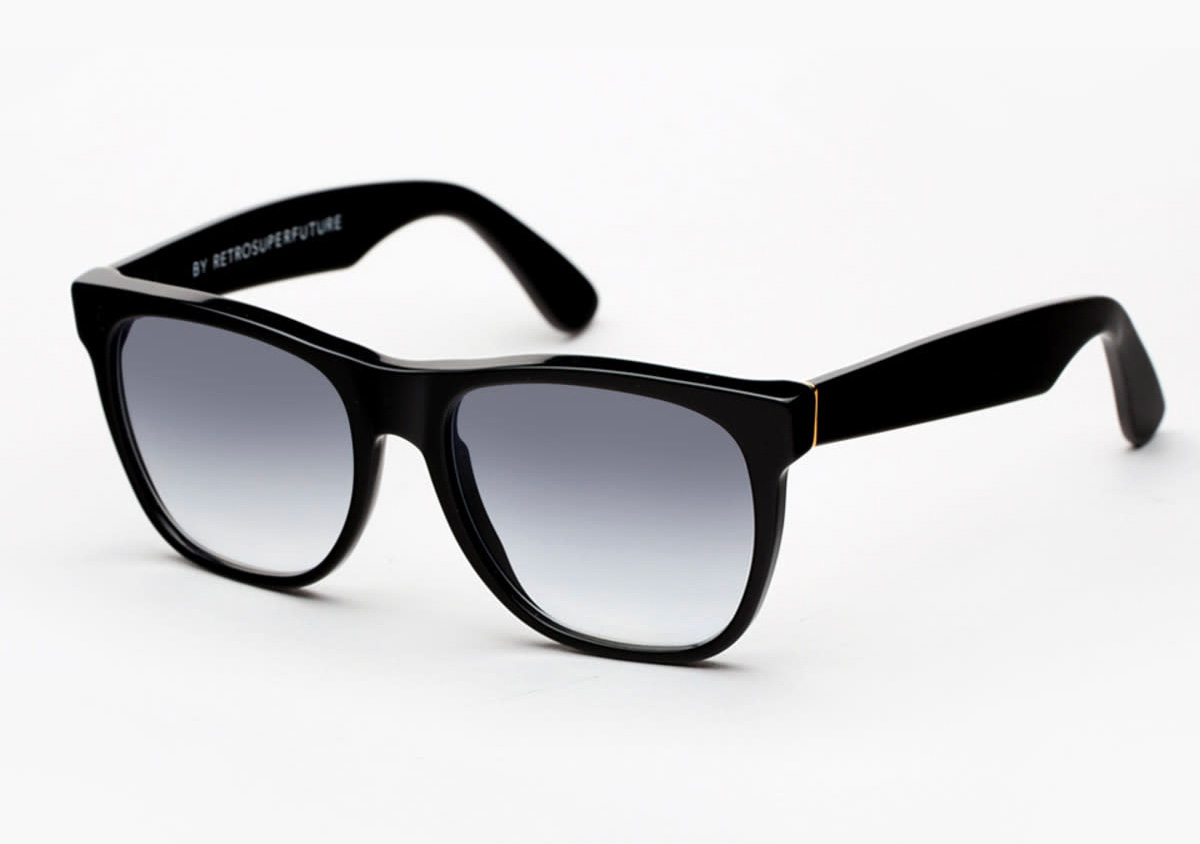 Chill Like a Boss in Joe Pesci's <i>Irishman</i> Sunglasses at werd.com