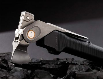 Aclim8's COMBAR Pro is a Rugged EDC Multitool