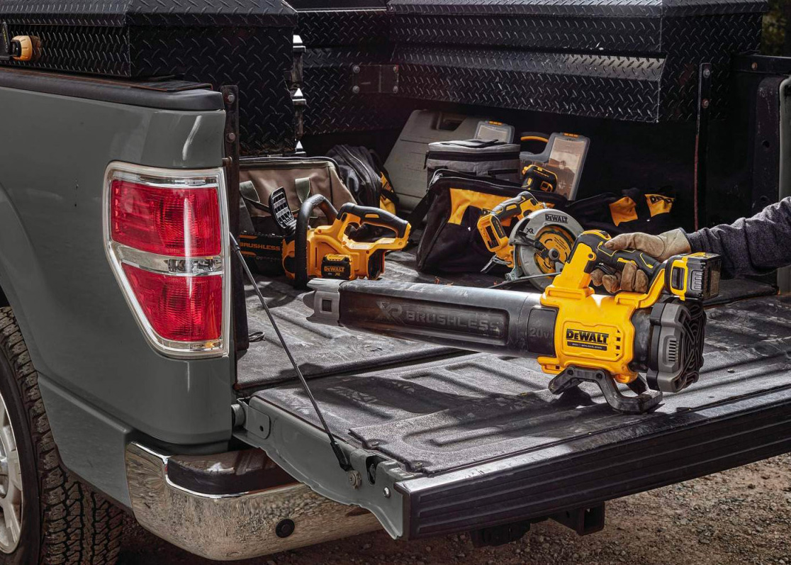 DeWalt's 20V MAX Brushless Blower Makes Clean-Up a Breeze at werd.com