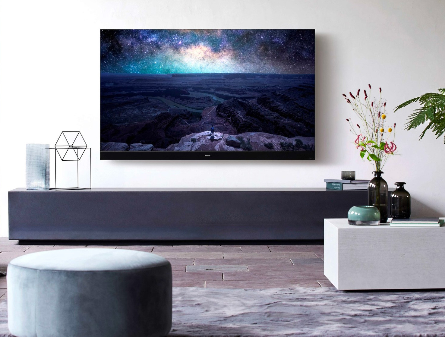 Panasonic Created an OLED TV For Fans of Film at werd.com
