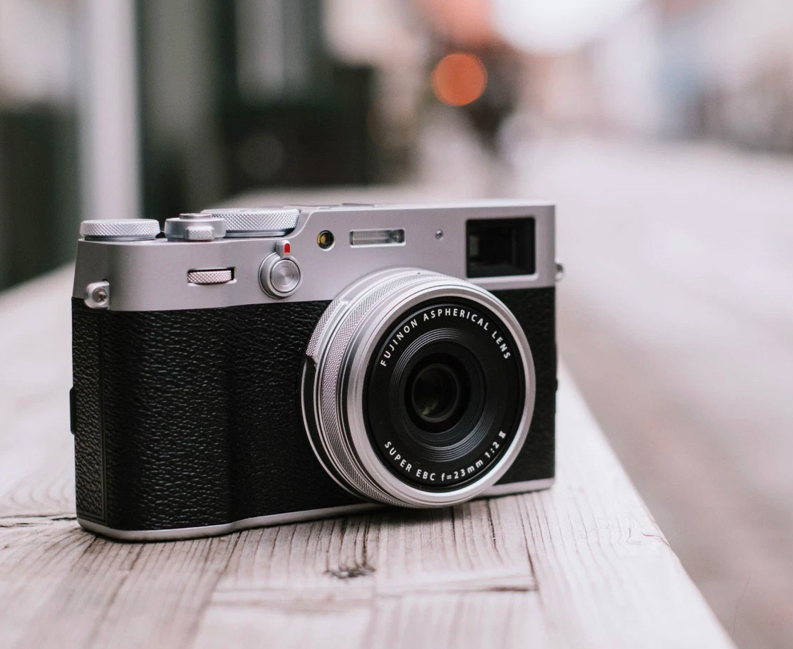 The Fujifilm X100V Looks Classic But It's All New at werd.com