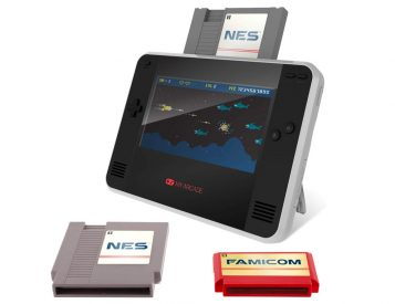 Portable Retro Champ Console Brings Back Classic Nintendo & Famicon Games