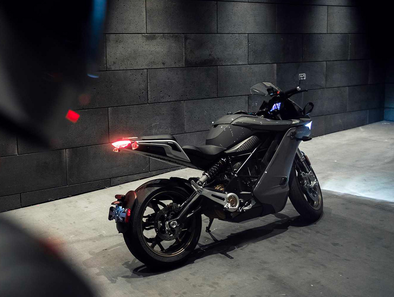 Zero Motorcycles Unveils SR/S All-Electric Sport Bike at werd.com