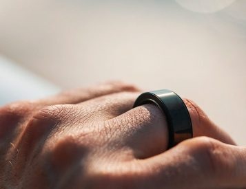 Circular Smart Ring Tracks Data from Your Digit