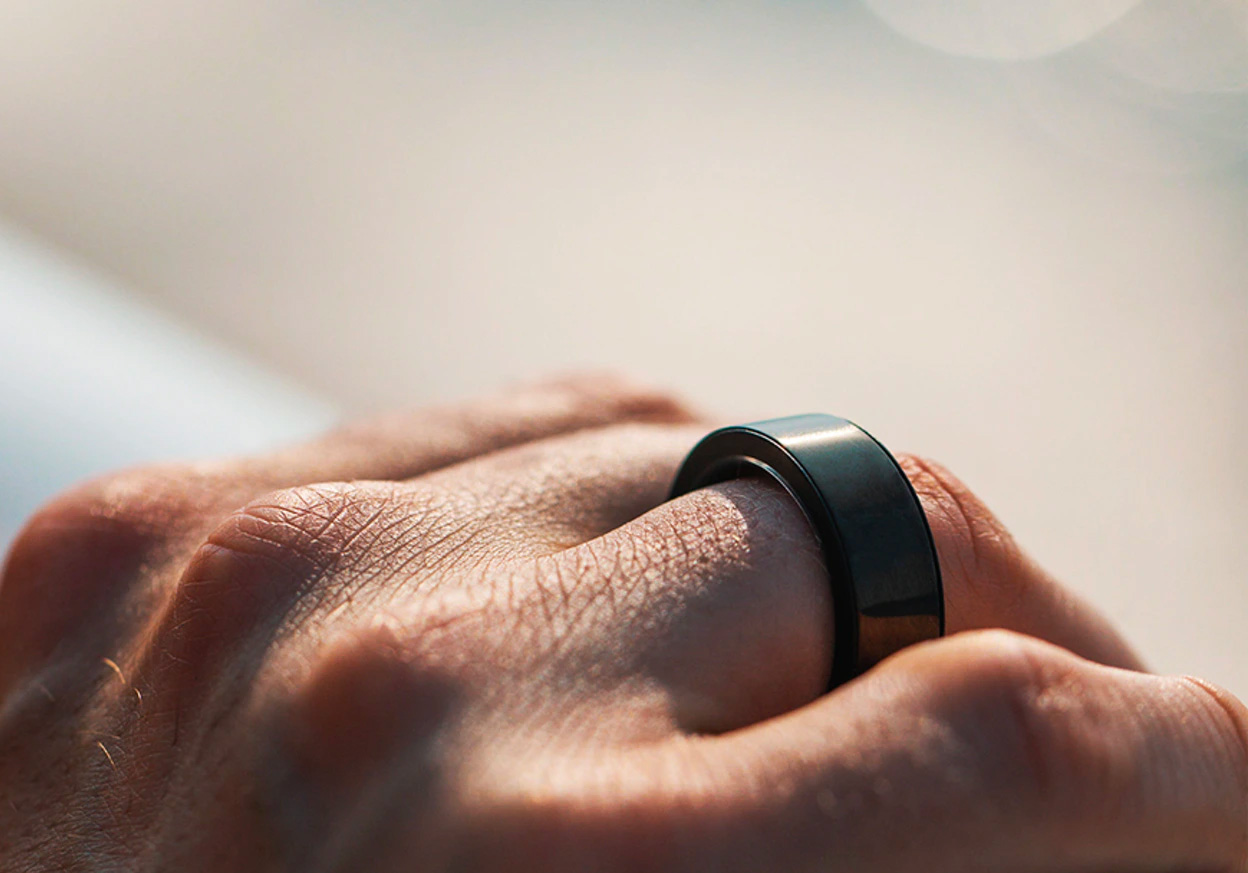 Circular Smart Ring Tracks Data from Your Digit at werd.com