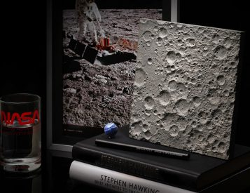 DeskSpace Puts the Moon Within Reach