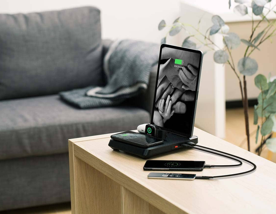 Charge All Your Devices At Once with the 6-In-1 Air Omni at werd.com
