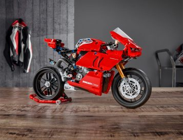 LEGO Technic Teases Late-Summer Ducati Panigale V4 R