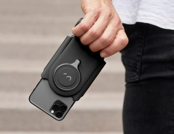 ProGrip Easily Upgrades Your Phone Photography