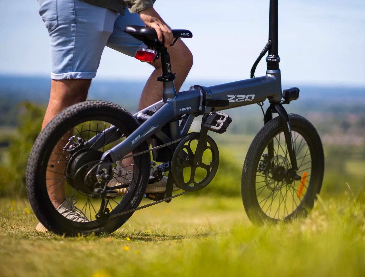 Unfold & Go with HIMO's Commuter-Ready Z20 E-Bike at werd.com