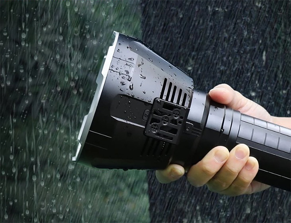 The MS18 Flashlight: Like the Sun in the Palm of Your Hand at werd.com