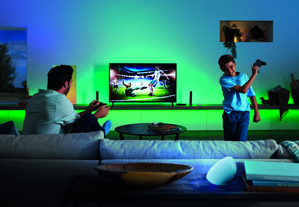 Philips Hue Play Adds Cinematic Color To Your Content at werd.com