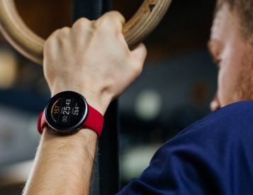 Polar's Vantage V2 SmartWatch Goes the Distance