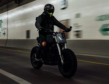 The Droog E-Fighter V2 Kills Boring Bikes