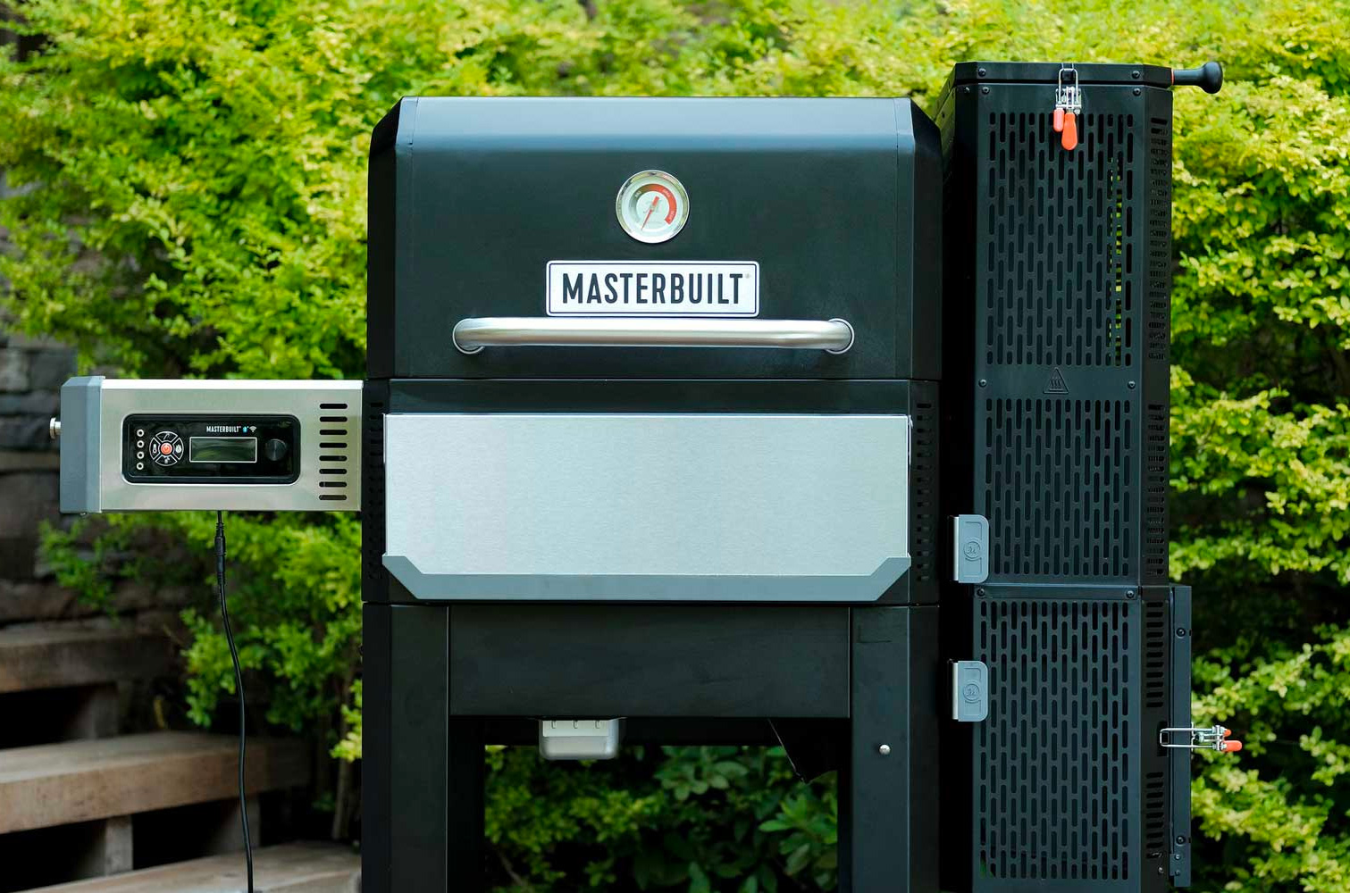 Grill & Griddle with Masterbuilt Gravity Series 800 at werd.com