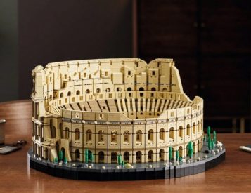 Biggest LEGO Set Ever: The 9036-Piece Roman Colosseum