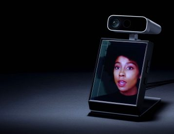 Holographic 3D Content: The Looking Glass Portrait